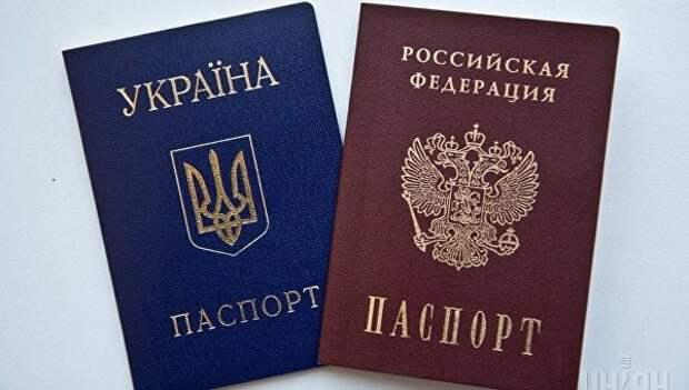 Визовый режим с РФ: Киев хоронит себя изоляцией