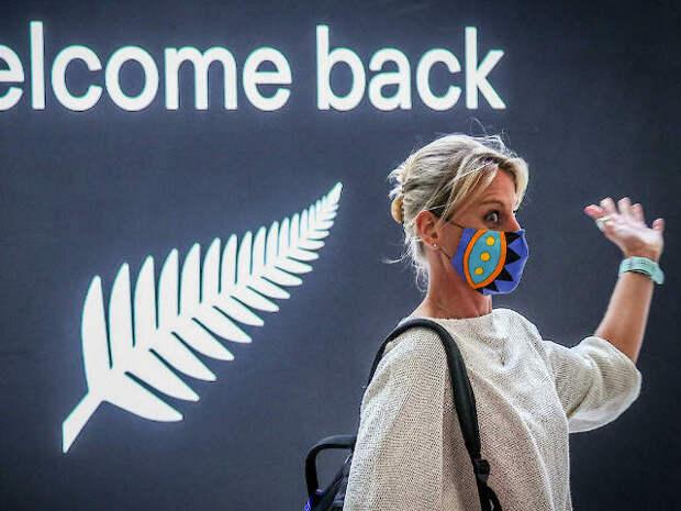 Жители Австралии спешат выехать из страны