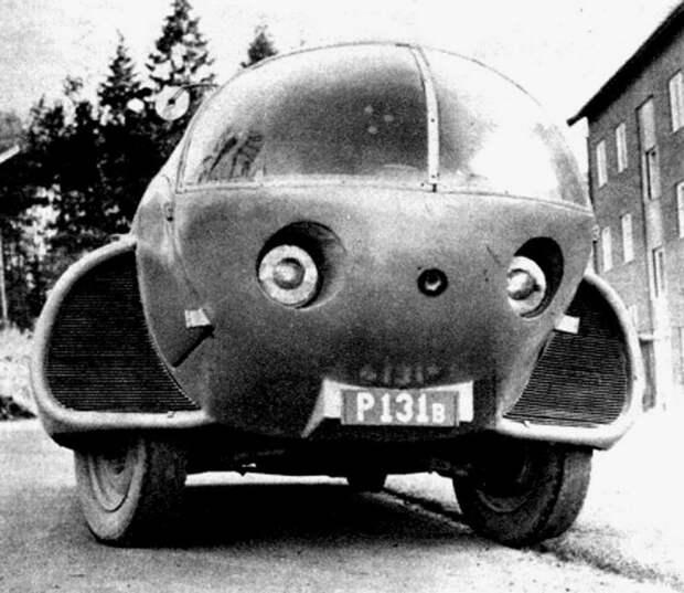 Удивительный вид спереди на кабину с «глазами» и «ушами» авто, автодизайн, автомобили, дизайн, интересные автомобили, минивэн, ретро авто