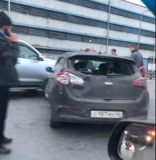 Две легковушки столкнулись на Звенигородском шоссе
