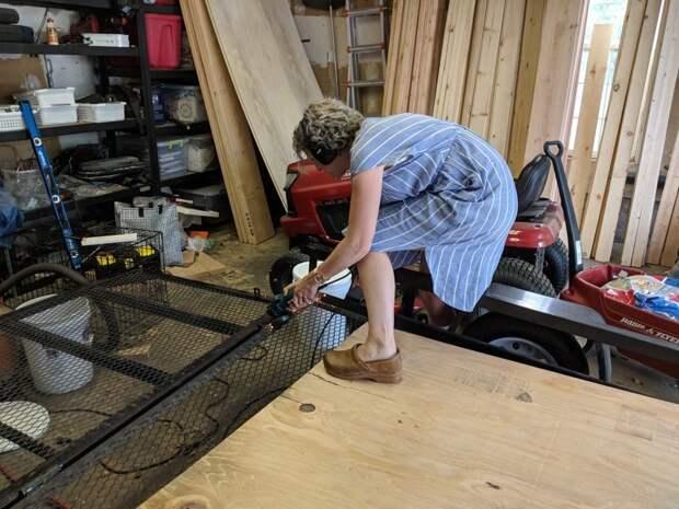 Девушка своими руками построила отличный вагончик на колёсах для путешествий вагончик для путешествий, повозка, своими руками, фотоотчёт