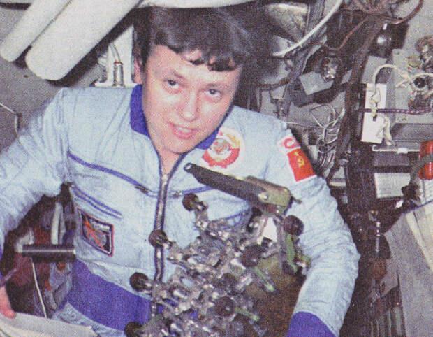 Савицкая. Первая в космосе