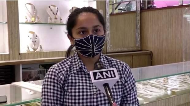 В Индии в продажу поступили маски с бриллиантами