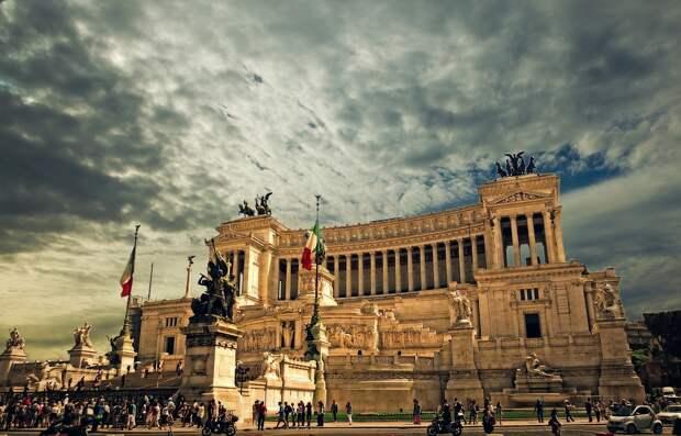 В Италии новый состав правительства принес присягу