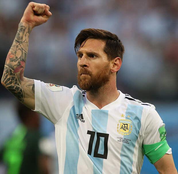 Месси празднует день рождение, борется за титул в Кубке Америки и согласовывает контракт с «Барселоной». Как он всё успевает?