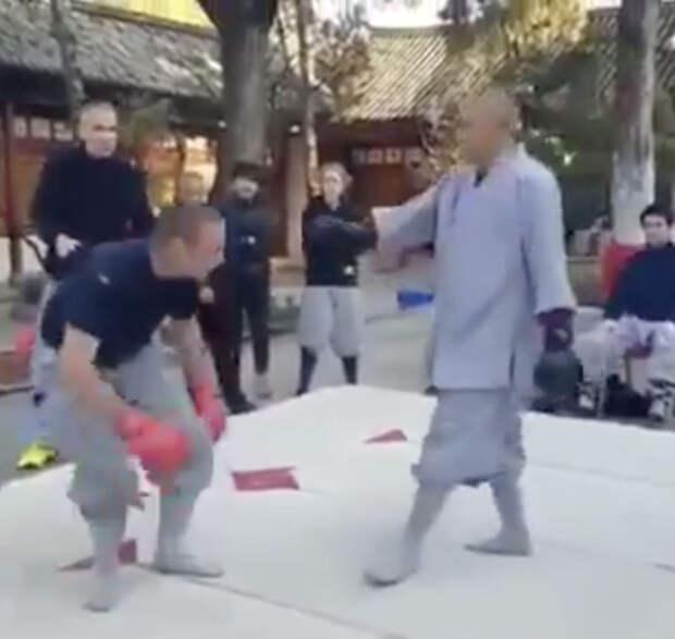 Боксер решил проверить свои силы в поединке с монахом Шаолинь и проиграл за 3 секунды