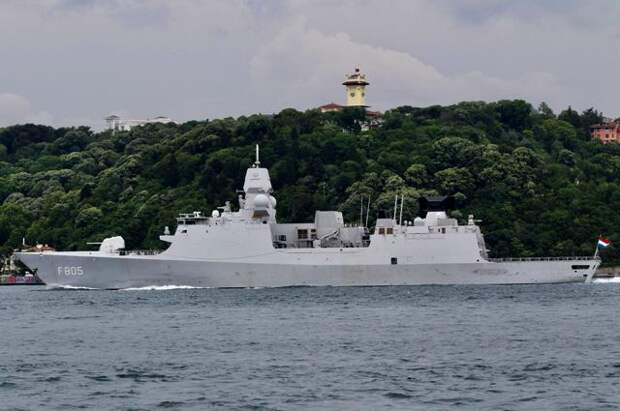 Фрегат ВМС Нидерландов Evertsen.