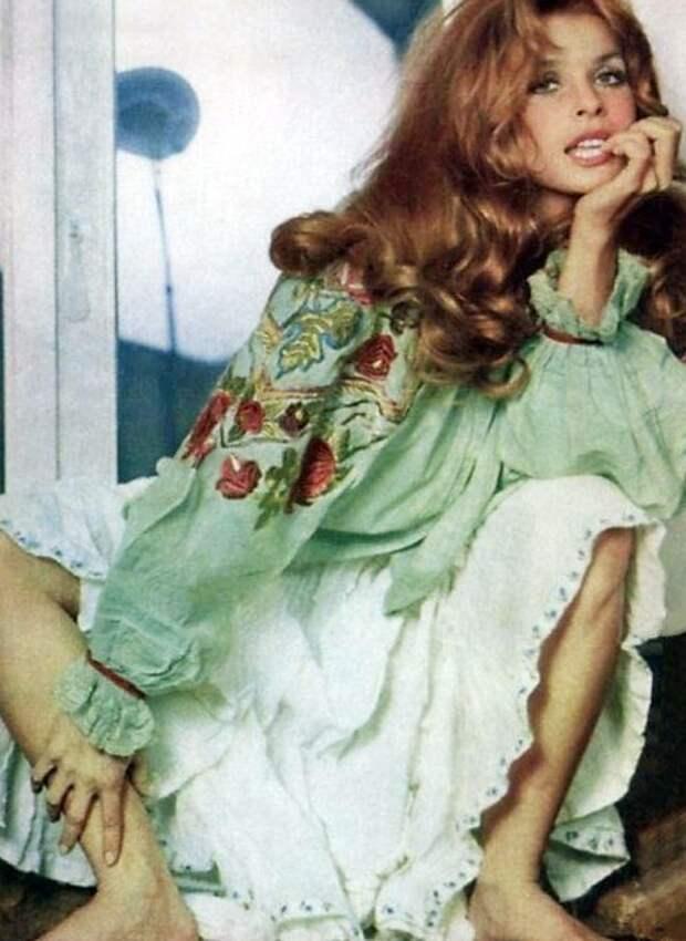 Красотка из 60-ых Сента Бергер.