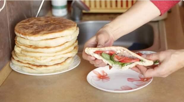 За хлебом в магазин можно не ходить! Вкусные лепешки на сковороде: просто и быстро