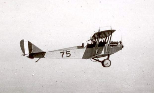 Curtiss-JN4-Jenny.jpg