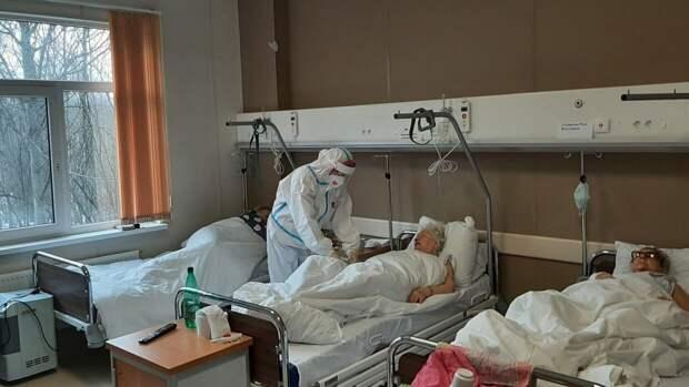 Количество госпитализированных с коронавирусом петербуржцев снизилось на 7,8%