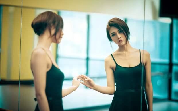 beautiful-girl-mirror-hd-wallpaper