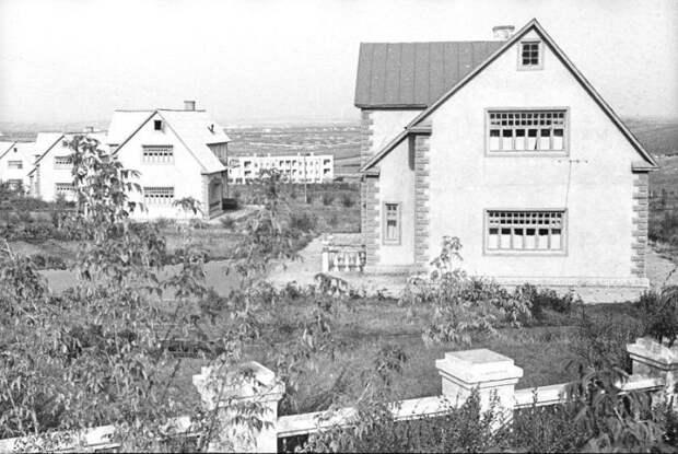 О таких жилищных условиях десятки лет не мог даже мечтать советский народ (пос. «Березки», фото 1937 г.). © Владислав Микоша