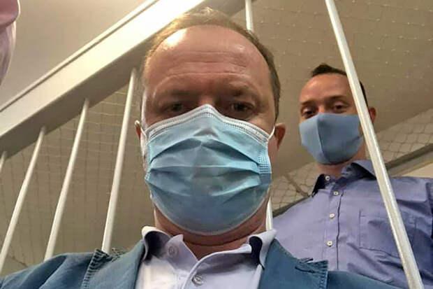 Задержан адвокат подозреваемого в госизмене журналиста Сафронова