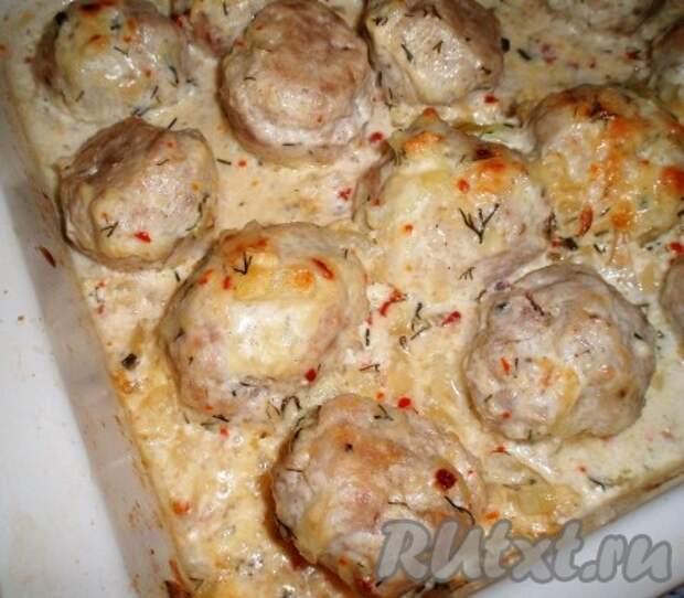 Фрикадельки в сливочно-сырном соусе