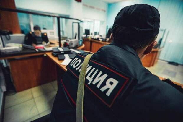 Сотрудники полиции на севере столицы задержали подозреваемых в грабеже