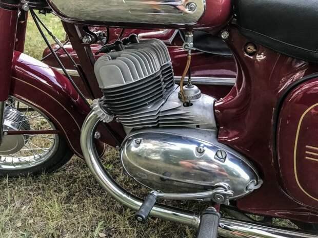 Даже мотор тут очень красивый авто, мото, мотоцикл, мотоцикл Ява, олдтаймер, ретро техника, ява