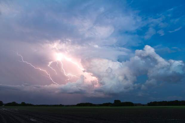 Грозы и сильный ветер ожидаются в Удмуртии 23 июня