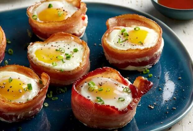 ГОРЯЧИЕ корзинки с яйцами и БЕКОНОМ