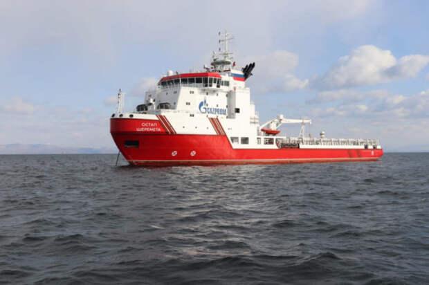 Идущие под охраной ВМФ РФ суда для достройки «Северного потока-2» сменили курс