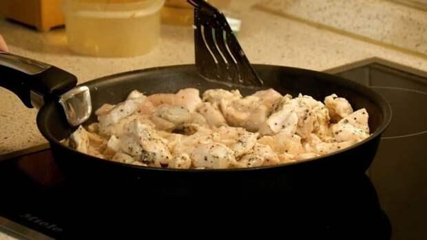 Картофельная запеканка с курицей и грибами: так и хочется добавочки