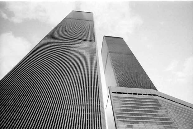 Как теракт 11 сентября 2001 года воспринимался в России: семь часов прямого эфира, трансляции в школах, обращение Путина, минута молчания в Лиге чемпионов