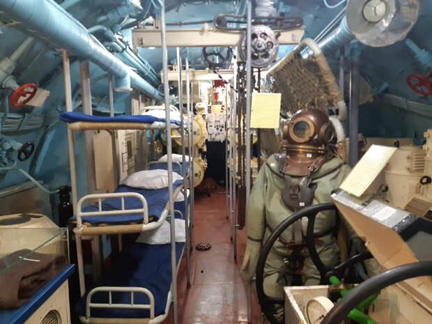 Три выходных дня на Вологодчине - окунуться в историю, побродить по деревням, побывать в чреве подводной лодки.