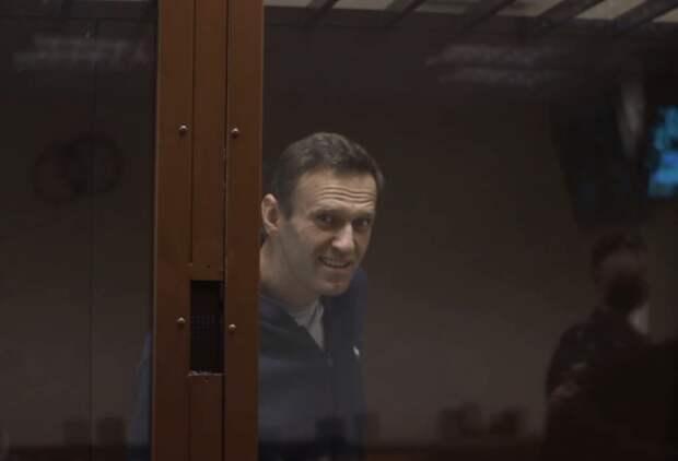 Навальный превратил заседание суда в немецкий спектакль