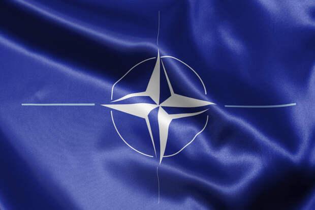 """""""Скажешь ещё слово, здесь и ляжешь"""": Как танки НАТО были остановлены одним бэтээром России"""