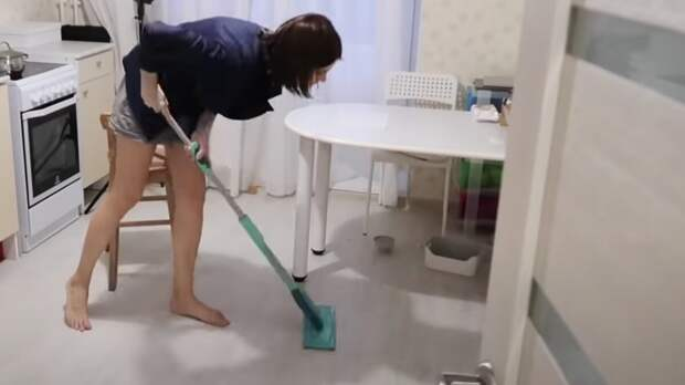 Мытье полов отнимает много сил и времени