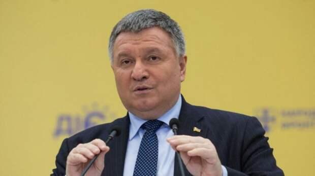 Уволенный Аваков перепутал русский и украинский языки, комментируя свою отставку