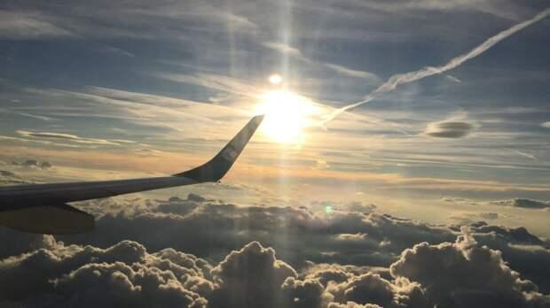 Летевший во Владивосток из Москвы самолет внепланово сел в Красноярске