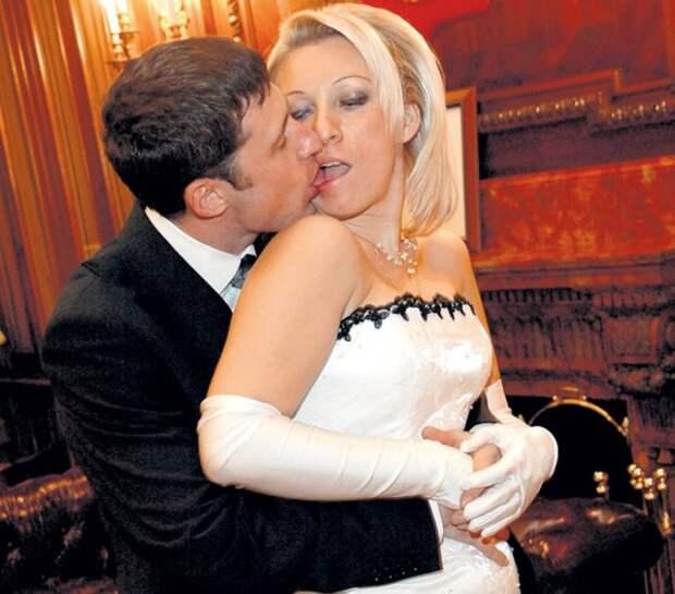 Антизападный представитель МИД РФ Мария Захарова и её свадьба в... В США!