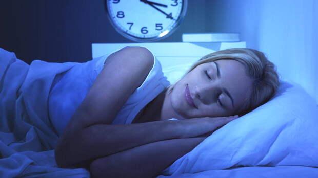 Уснуть за 10 секунд: названы простые способы борьбы с бессонницей