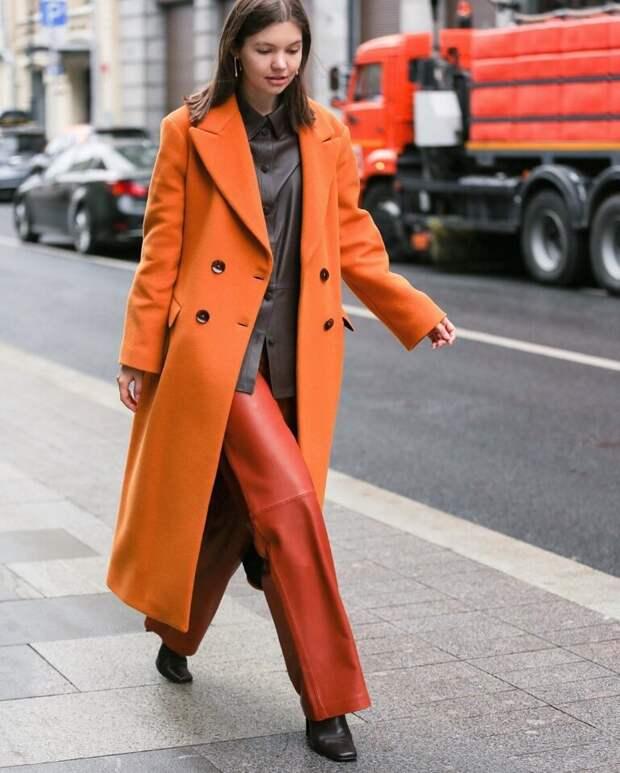 С чем носить оранжевый цвет весной, чтобы выглядеть стильно и современно