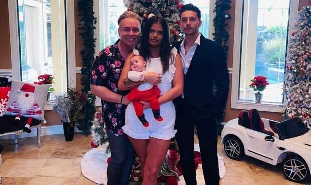 Дочь дала яйцеклетку отцу-гею исвоему бывшему, чтобы уних появился еще один ребенок