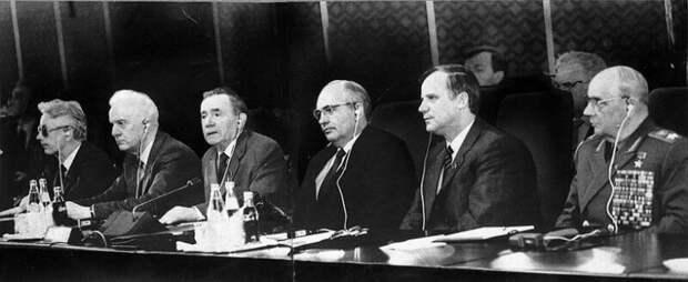 Экс-президент СССР Горбачев назвал ответственных за срыв перестройки и развал СССР