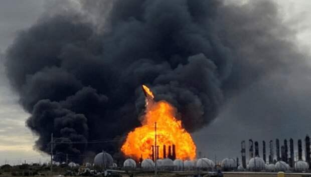 Кто взрывает заводы по всему миру?