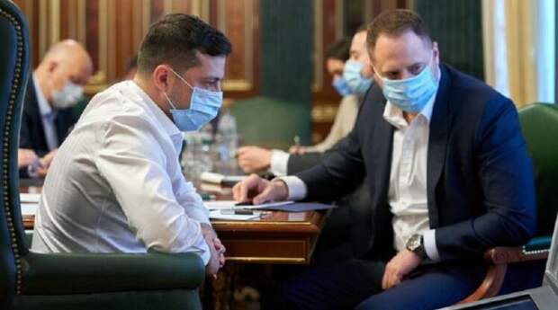 """Политолог назвал имя """"теневого президента"""" Украины"""