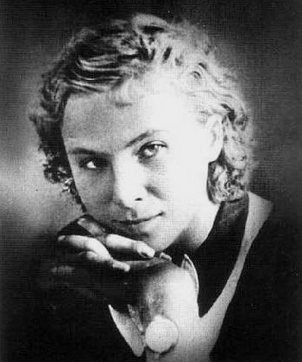 Лидия Литвяк была признана самой результативной женщиной-авиатором Второй Мировой войны
