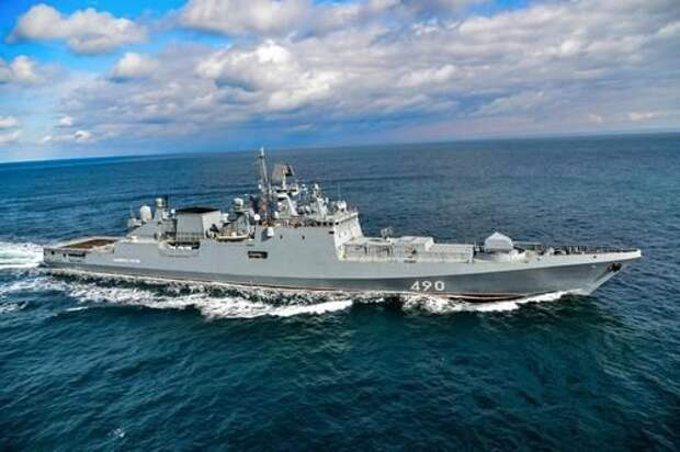 Ресурс Avia.pro: российский фрегат устроил погоню за эсминцем США в Черном море