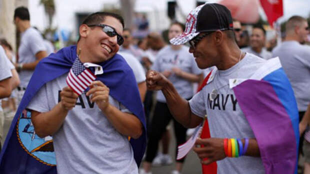 Толерантность американцев зашкаливает: уже согласны на «голубого» президента