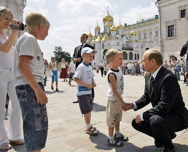 Отвечая на вопросы граждан, Путин зачастую приводит недостоверные цифры