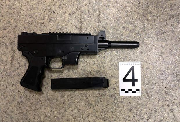Макеты оружия, найденные у похитителей Руслана Дукина