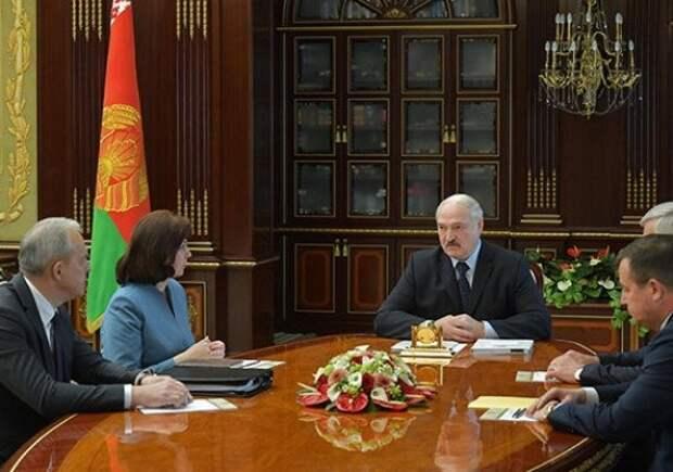 Лукашенко: Белоруссия вывернулась изситуации спандемией