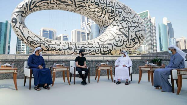 Дубаец Дуров, натурщицы на балконе и попрание арабского этикета