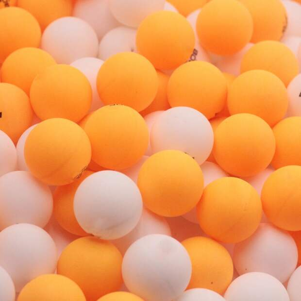 Целлюлоидные шарики для пинг-понга.
