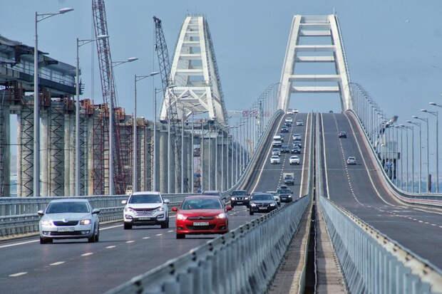 На Украине заявили, что Крымскому мосту осталось недолго