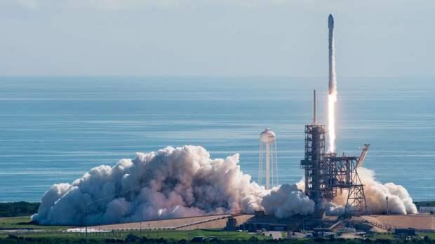 Запуск американского беспилотника ракетой-носителем с мыса Канаверел.