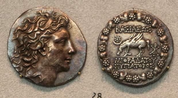 Тетрадрахма с профилем Митридата.